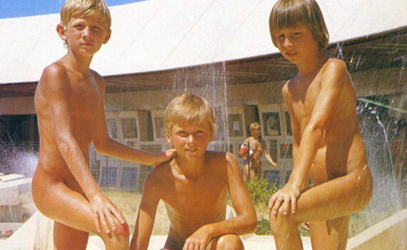 Family nudism in Australian